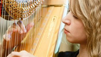 The First International Competition for Harpists