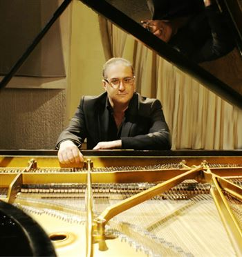 <b>Внимание!</b> Отмена мастер-класса Эпифанио Комиса (фортепиано, Италия)