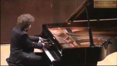 Lukas Geniušas Performs Chopin's 24 Etudes