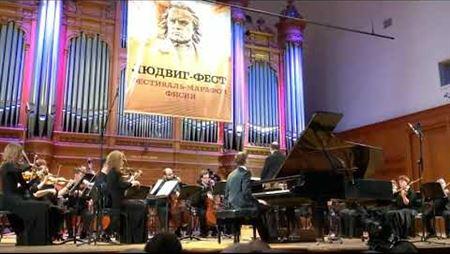 Beethoven Rondo in B-flat major, WoO 6