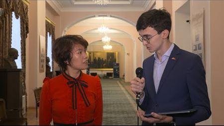 Компания «Хуавэй». Интервью с Селиной Чэн