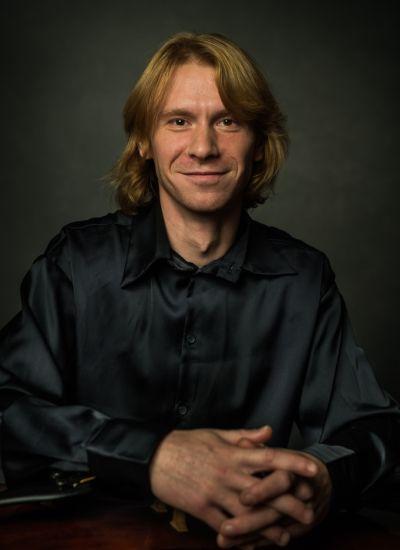 Антонов<br /> Сергей